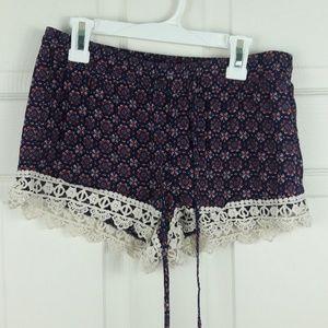 Breeze Ever Drawstring Lace Hem Shorts Boho Sz. M